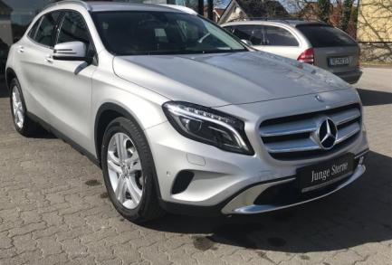 Mercedes-Benz GLA 180 URBAN 7G XENON NAVI PTS SPIEGEL-P. Navi