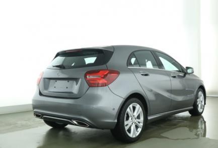 Mercedes-Benz A 200 Urban 7G Standh Navi PTS LED Remote  Klima