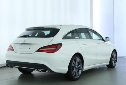 Mercedes-Benz CLA 200 SB URBAN PANORA. LED AHK EL. HECKK. RFK