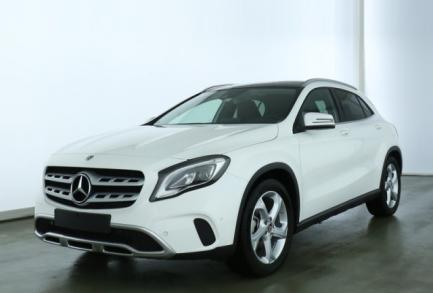Mercedes-Benz GLA 200 URBAN LED PANO NAVI MEDIA 8